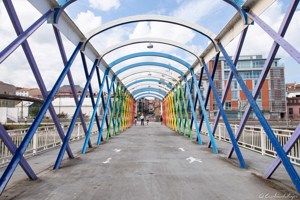 Puente colgante (Avilés)